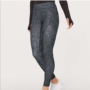 lululemon athletica Pants & Jumpsuits - Lululemon yoga pants w/ side pockets
